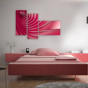 Przestrzenna grafika dodatkowo zyskała na atrakcyjności przez podzielenie jej na tryptyk. Tutaj także obraz jest dobrany kolorystycznie do łóżka. Grafika do kupienia na stronie Demur, cena w zależności od wymiaru i podziału na części. Fot. Demur.