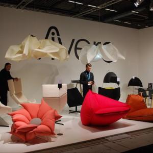 Marka Vivero przyciągała uwagę nietypowymi siedziskami. Obok geometrycznych foteli, mięsistych puf oraz siedzisk w kształcie kwiatów nie sposób było przejść obojętnie. Fot. Marta Ustymowicz