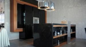 W stylu industrialnym najbardziej liczy się kreatywność oraz indywidualne podejście do aranżowanej przestrzeni, w której kolor czarny powinien odgrywać niebagatelną rolę.