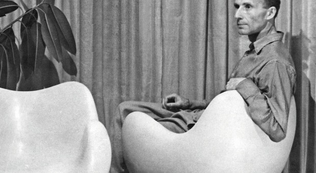 Fotel, który wyprzedził epokę. Zapraszamy na wywiad na temat PRLowskiej ikony designu