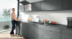 Współczesne kuchnie zachwycają praktycznością i nowoczesnymi rozwiązaniami. Sprawdźcie, co robią producenci, żeby zadbać o ich estetykę i niezwykłą funkcjonalność.