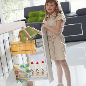Cargo mini boczne z wieszkiem na ręczniki dostępne w ofercie firmy Rejs. Fot. Rejs