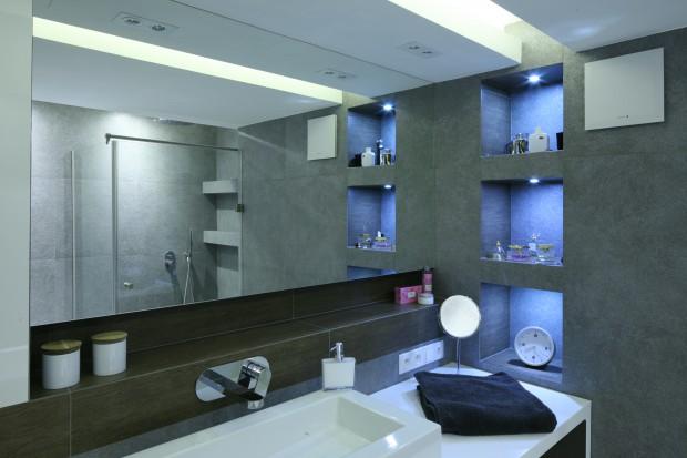 Łazienka w szarościach - zobacz piękne, nowoczesne wnętrze