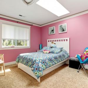 Różowy to kolor najczęściej przypisywany dziewczynkom. I nic w tym dziwnego bo małe kobietki bardzo go lubią. Farba dostępna w ofercie marki Para Paints. Fot. Para Paints.