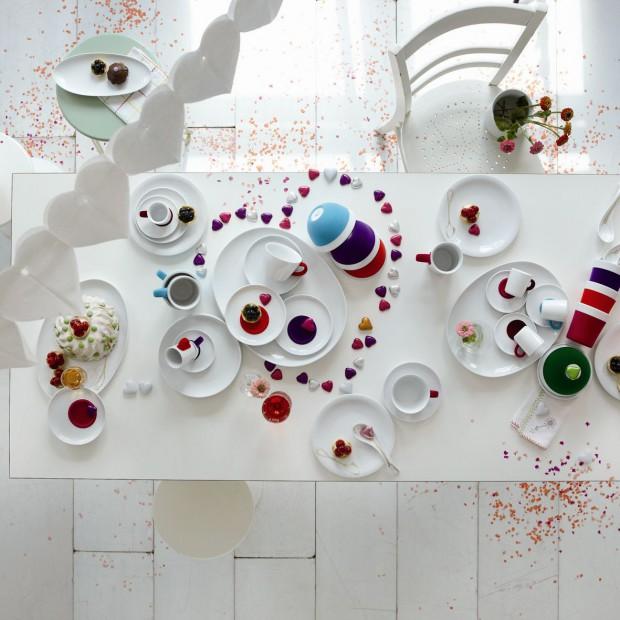 Walentynkowa dekoracja stołu. Pomysły na romantyczną kolację