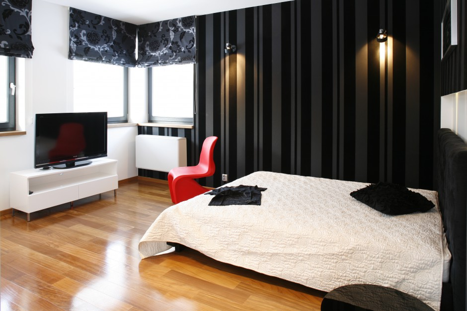Czarno-białe wnętrze jest...  Nowoczesna sypialnia. Zobacz piękne wnętrza z polskich domów ...