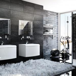 Koncept Evolution firmy Ravak oferuje białe, oryginalne szafki z umywalkami i lustrami. Fot. Ravak.