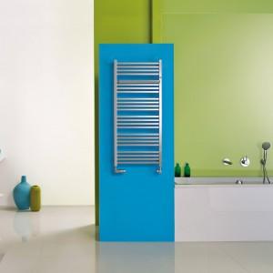 Model Stick z oferty Instal-Projekt to tradycyjna drabinka do nowoczesnej łazienki. Fot. Instal-Projekt.