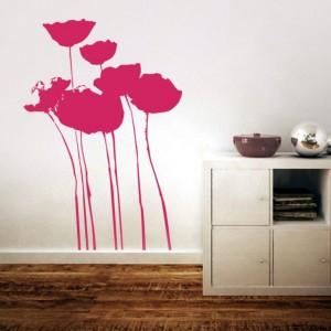 Malownicze kwiaty dodadzą uroku i przytulności każdemu wnętrzu. Ta romantyczna naklejka to propozycja od firmy TwojaInspiracja.pl. Wykonana jest  w technice wycinanej, jej powierzchnia jest matowa, co sprawia że  doskonale łączy się z fakturą ściany. Fot. TwojaInspiracja.