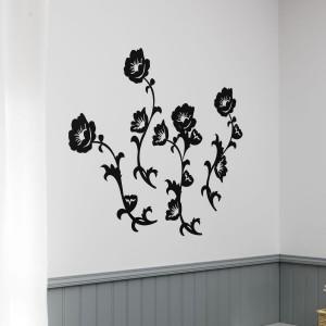 Kwiatowy motyw autorstwa Kalou Van Den Bossche to propozycja od IKEA. Pomoże szybko odmienić pomieszczenie i wprowadzić do niego odrobinę nastroju. Naklejka idealna do ciepłych, kobiecych wnętrz. Cena 39,99 zł. Fot. IKEA.