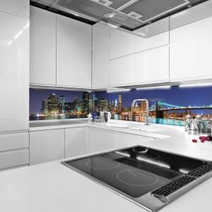 Bujnie rozświetlony Nowy Jork i Brooklyński most wprowadzą amerykański look do każdej kuchni. Fot. Livingstyle.