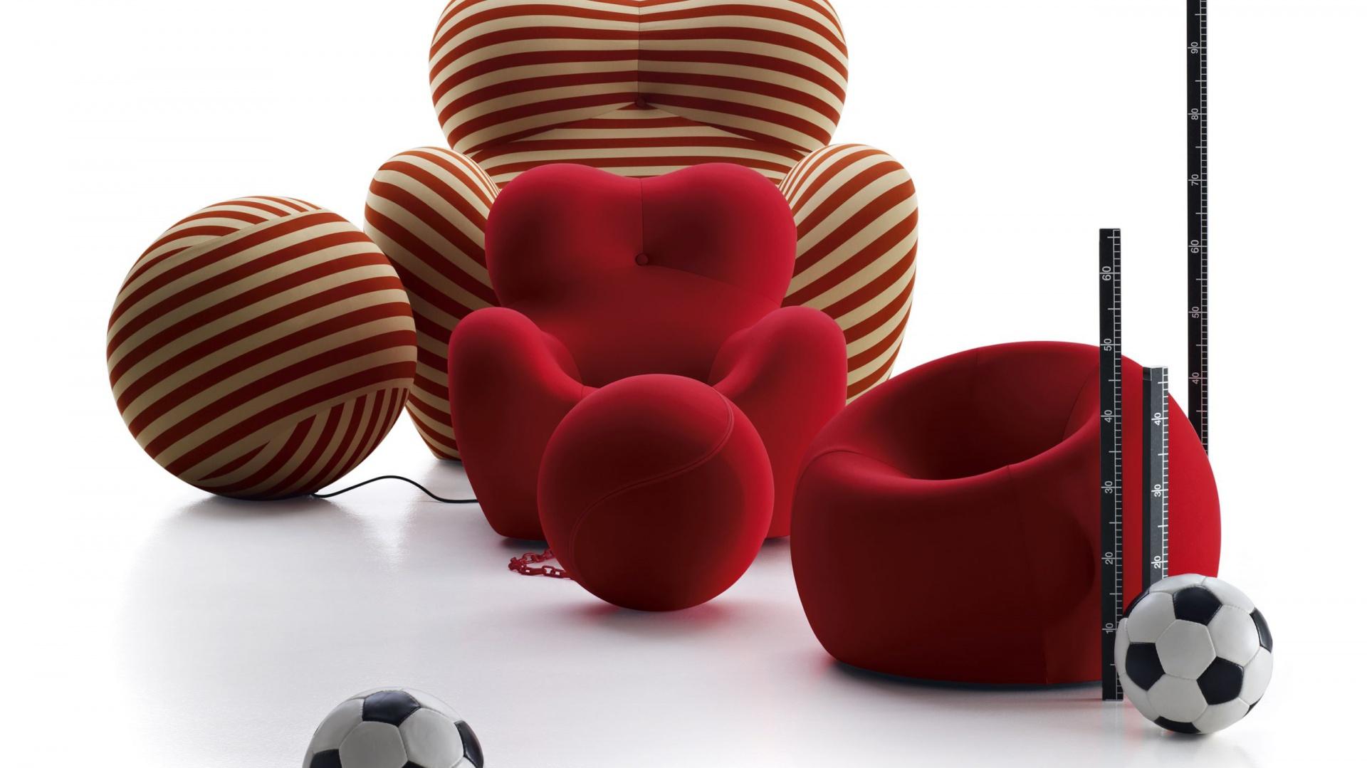 Nowa wersja fotela UP, przeznaczonego dla najmłodszych, ma identyczną, jak oryginał formę. Jednak różni się od standardowego modelu rozmiarem, dostosowanym do gabarytów maluchów. Fot. Innes.