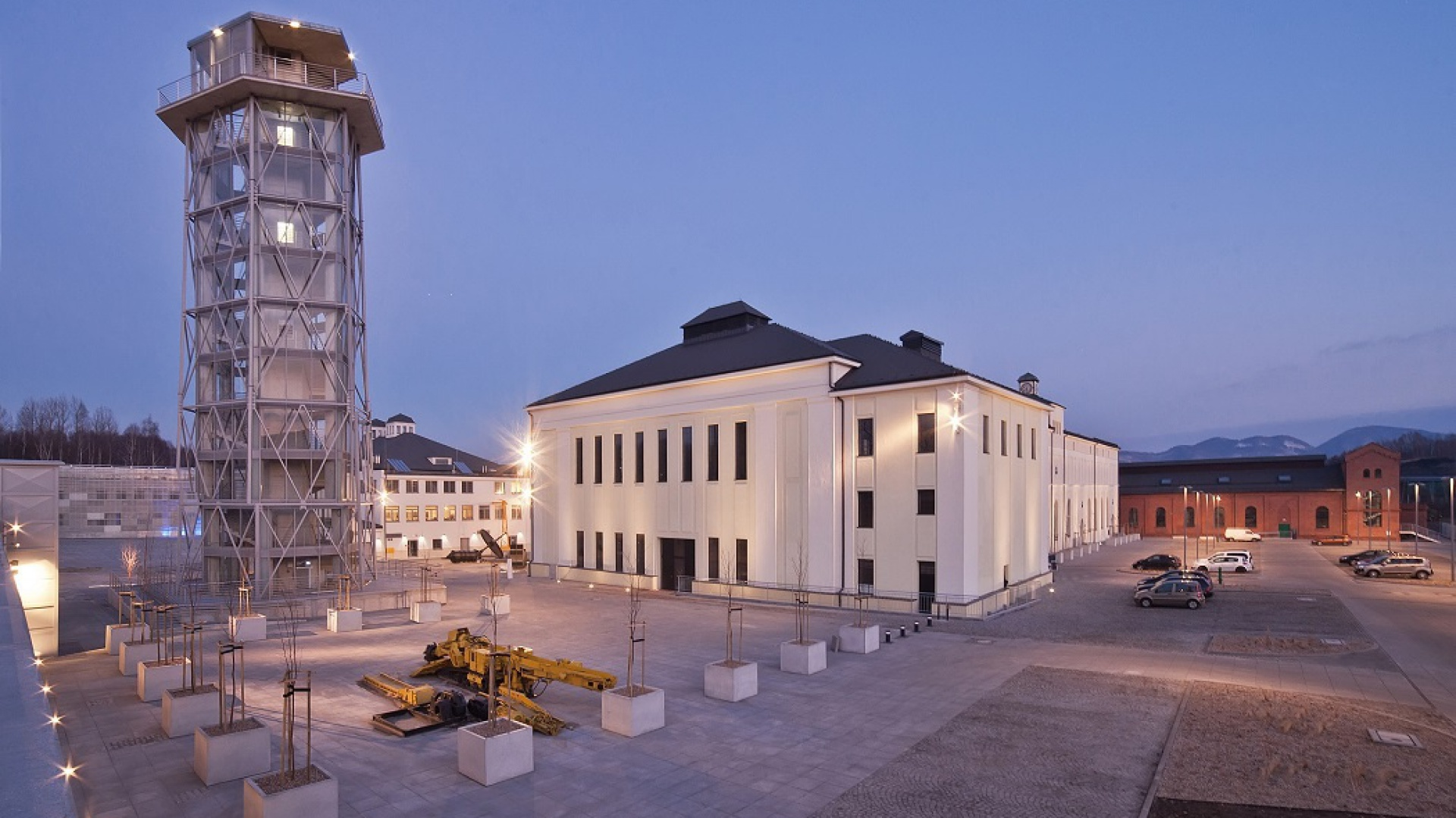 Budynek nr 1 (mieściła się w nim m.in. dawna Łaźnia Łańcuszkowa) przeznaczony został na działalność Wałbrzyskiego Ośrodka Kultury oraz Zespołu Pieśni i Tańca Wałbrzych. Fot. Archiwum