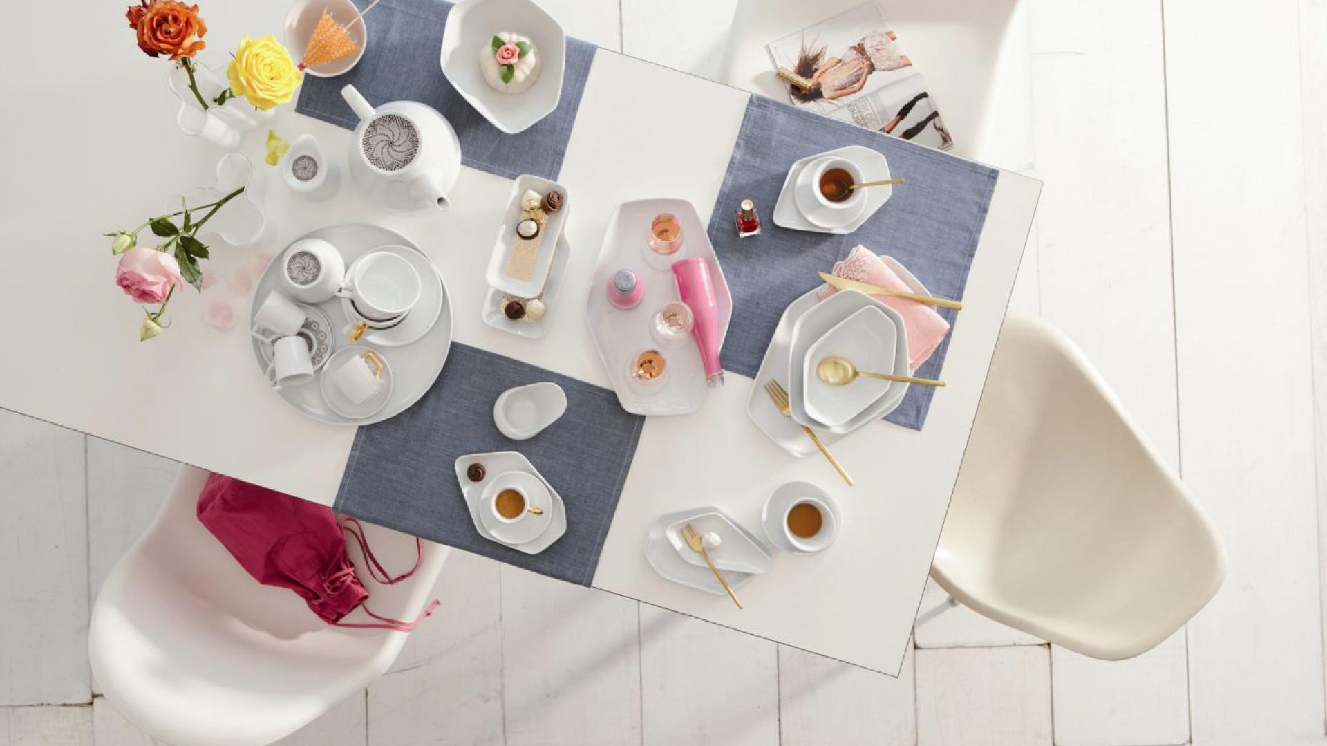 Wśród produktów niemieckiej marki Kahla z pewnością można znaleźć wiele inspirujących pomysłów na prezent. Porcelana zawsze jest piękna i modna. Produkty dostępne w sklepie Czerwona Maszyna. Fot. Kahla.