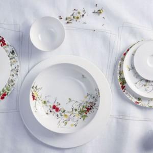 Rosenthal przygotował na wiosnę kolekcję Tajemniczy Ogród, wśród której można odnaleźć piękne talerze z delikatnym kwiatowym motywem. Fot. Rosenthal.