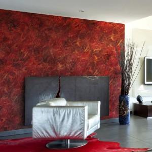 Gorący i zmysłowy klimat wprowadzimy do wnętrza dekorując je farbą z Systemu Kreatywnej Dekoracji Primacol Decorative, w kolorze burgundzkiego złota. Fot. Unicell Poland.