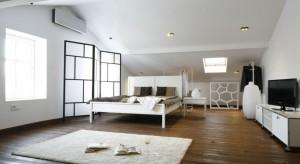 Doskonała podłoga łączy walory estetyczne z komfortem użytkowania. W sypialni stanowi niezwykle ważny elementwnętrza.