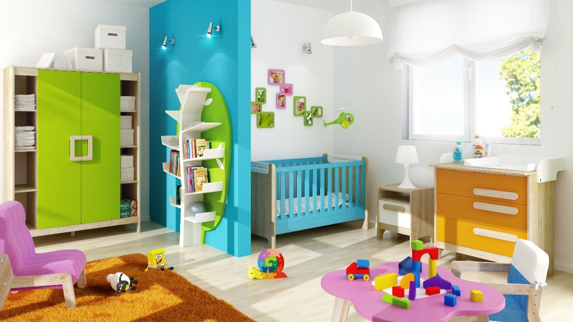Aby wszystko miało swoje miejsce, w pokoju dziecka powinien znaleźć się zestaw mebli z funkcją przechowywania: komoda, szafa oraz półki na książki czy płyty. Kolekcja First marki Timoore. Fot. Tomoore.