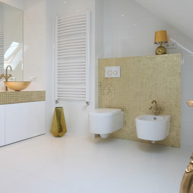 Biała łazienka. Najpiękniejsze realizacje architektów