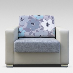 Rozkładany fotel jest świetnym rozwiązaniem dla mam karmiących piersią oraz każdego rodzica, który pilnuje spokojnego snu dziecka.  Fot. Arkos.