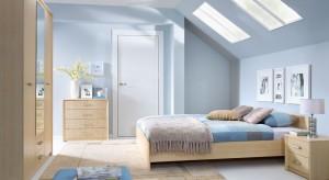 Kolor niebieski wprowadzi do sypialni przytulny klimat. Doskonale prezentuje się na ścianach, tkaninach oraz dodatkach.
