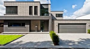 To, jak wykończymy ściany zewnętrzne w znacznym stopniu zadecyduje o charakterze całego domu i otaczającej go posesji. Zobaczcie, jak nadać im nowoczesny wygląd.