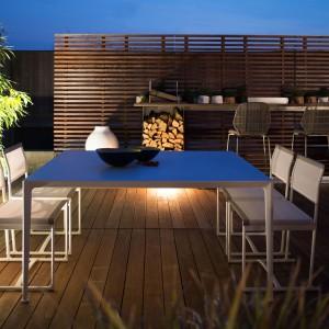 Kolekcja Mirto bazująca na prostych, minimalistycznych kształtach. Projekt: Antonio Citterio. Fot. B&B Italia.