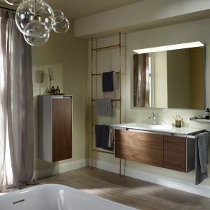Eleganckie meble łazienkowe z kolekcji Yso proponuje marka Burgbad. Fot. Burgbad.