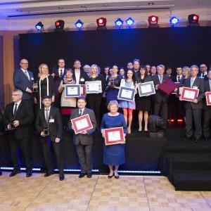 Zdobywcy nagród w konkursach Produkt Roku 2015 oraz Salon Roku 2014. Fot. Bartosz Jarosz.