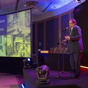 Gościem specjalnym wieczoru był Piotr Voelker, który wygłosił wykład na temat roli designu w biznesie. Fot. Bartosz Jarosz.