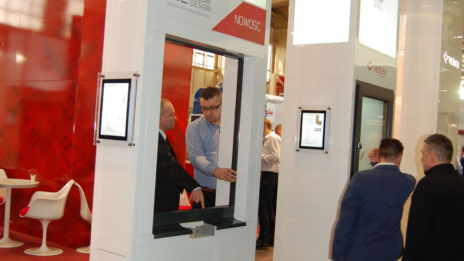 System okienny V28 Modern Design, zaprezentowała firma Vetrex podczas Targów Budma 2015 w Poznaniu. Fot. Radosław Zieniewicz
