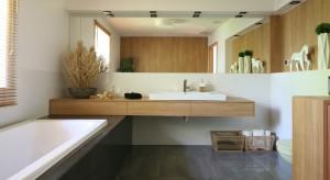 Mozaika, kamień, a może fototapeta?Przed wiosennym remontem łazienki trzeba podjąć decyzję jaki materiał wybrać na ściany. Zobaczcie co wybrali inni.
