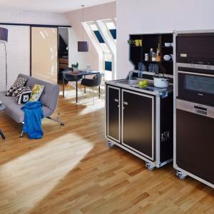 Kuchnia mobilna marki Pro Art to kompaktowy zestaw mebli kuchennych, pozwalający na jego ustawienie niemal w każdej przestrzeni. Fot. Pro Art.