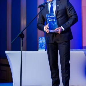 Nagrodę główną w kategorii Wentylacja i Ogrzewanie odebrał Adam Świętochowski, szef regionu Polska wschodnia i miasto Warszawa marki Zehnder. Fot. Paweł Ławreszuk.