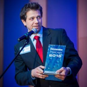 Nagrodę główną w kategorii Meble Łazienkowe odebrał Michała Roszkowski, senior produkt menedżer ds. mebli w firmie Sanitec Koło. Fot. Paweł Ławreszuk.