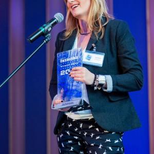 Nagrodę główną  w kategorii Chemia w Łazience odebrała Joanna Wejcher. menedżer marketingu i działu obsługi klienta w firmie Den Braven East. Fot. Paweł Ławreszuk.