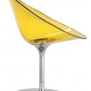 Wyrafinowana, organiczna forma to cecha charakterystyczna kultowego krzesła. Fot. Kartell.