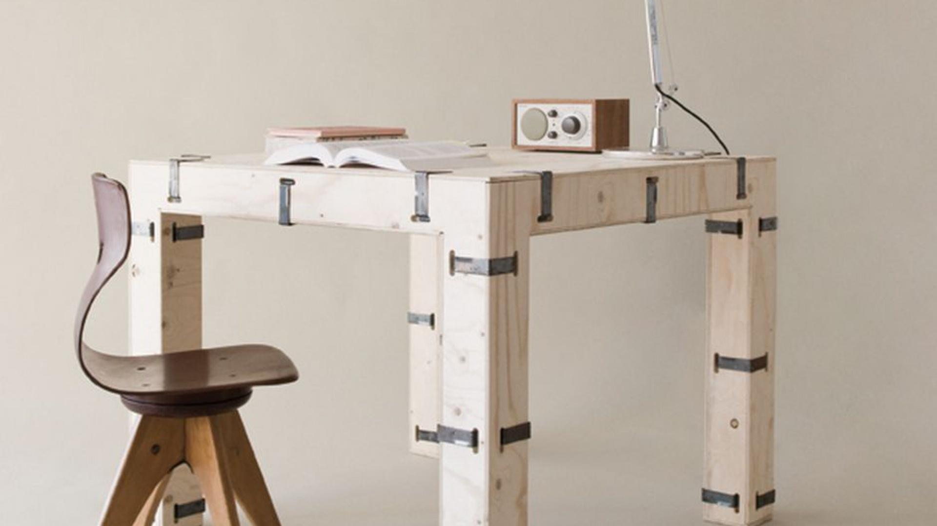 Kolekcja mebli Pakiet - w przeciwieństwie do sztandarowych projektów Oskara Zięty - została wykonana z drewna. Fot. Zieta Prozessdesign.
