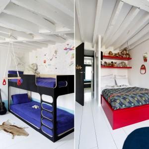 W mieszkaniu są dwa pokoje dziecięce. W obu postawiono na dominację jasnych barw i zrezygnowano z czarnych akcentów na ścianach. Biel ożywiają intensywne, wesołe kolory, jak granat i czerwień. Czerwone łóżko zostało zaprojektowane przez Sarah Lavoine i wykonane na zamówienie. Projekt: Sarah Lavoine. Fot. Francis Amiand.