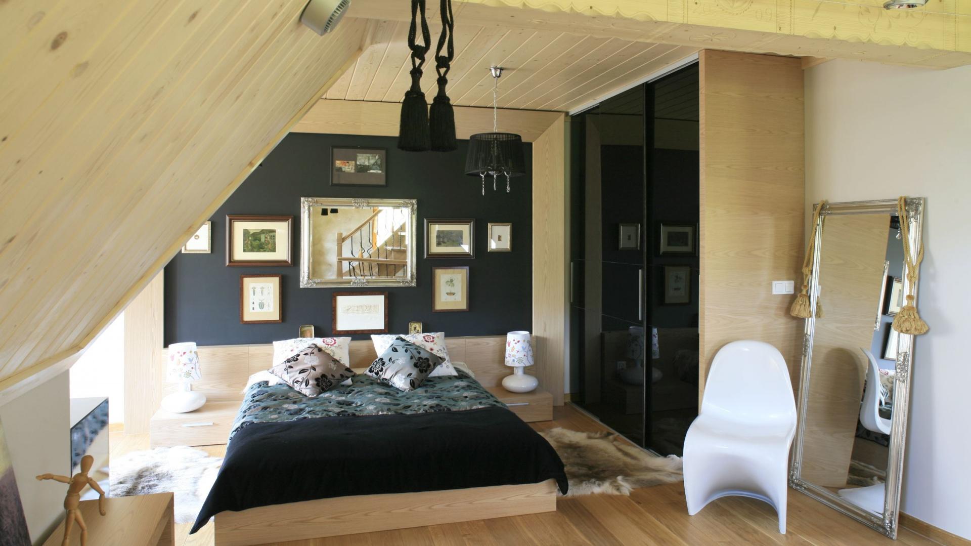 Sypialnia W Drewnie Piękne Wnętrze W Góralskim Stylu
