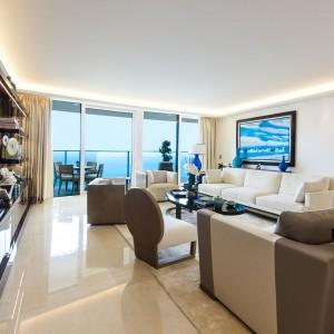 Pomieszczenia są eleganckie, wysmakowane, urządzone w sposób komfortowy, ale bez ciężkiego przepychu. Projekt wnętrza: Alberto Pinto. Fot. Marzocco Group.