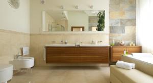 Dwie umywalki to wygodne i praktyczne rozwiązanie. Znacznie poprawia komfort użytkowania, zwłaszcza przy wielu domownikach.