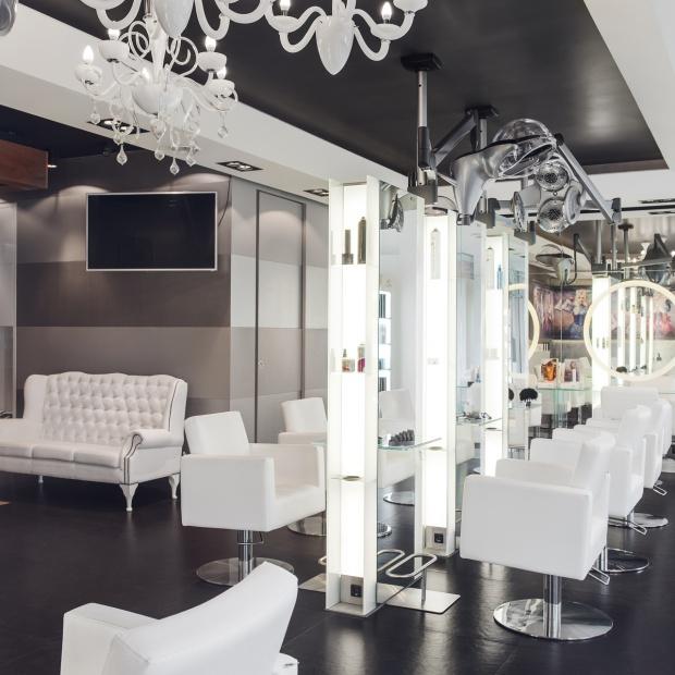 Studio fryzjerskie z nutką baroku