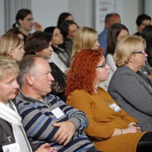 Uczestnicy z zainteresowaniem wysłuchują prelekcji. / fot. Bartosz Jarosz