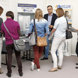 Na stoisku firmowym uczestnicy poznawali mozliwości jakie dają produkty firmy. / fot. Bartosz Jarosz