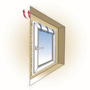 Nieprawidłowo zwymiarowany otwór montażowy uniemożliwia właściwe uszczelnienie przestrzeni między ramą a murem, co skutkuje stratami energii cieplnej i przewiewaniem chłodnego powietrza z zewnątrz.