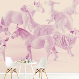 Urocza dekoracja ścienna marki Eiffinger zainspirowana zdjęciami przyjaznych zwierzątek, ożywi pomieszczenie dedykowane małej dziewczynce. Fot. Decodore.