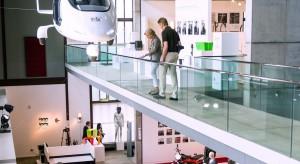 Największa na świecie wystawa współczesnego wzornictwa obchodzi swoje 60-lecie. Z tej okazjidwa największe muzea kompleksu Zollverein w Niemczech zabiorą swoich gości w podróż w czasie po historii Red Dot.