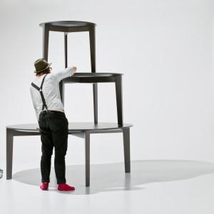 Prowadzone przez Tomka Rygalika poszukiwania nowej, ale jednocześnie ponadczasowej formy stołu zaowocowały stworzeniem Xylo - mebla uniwersalnego, ale o współczesnej stylistyce. Produkt na iSaloni zaprezentowała firma Comfroty. Fot. Ernest Wińczyk&Bartek Górka.
