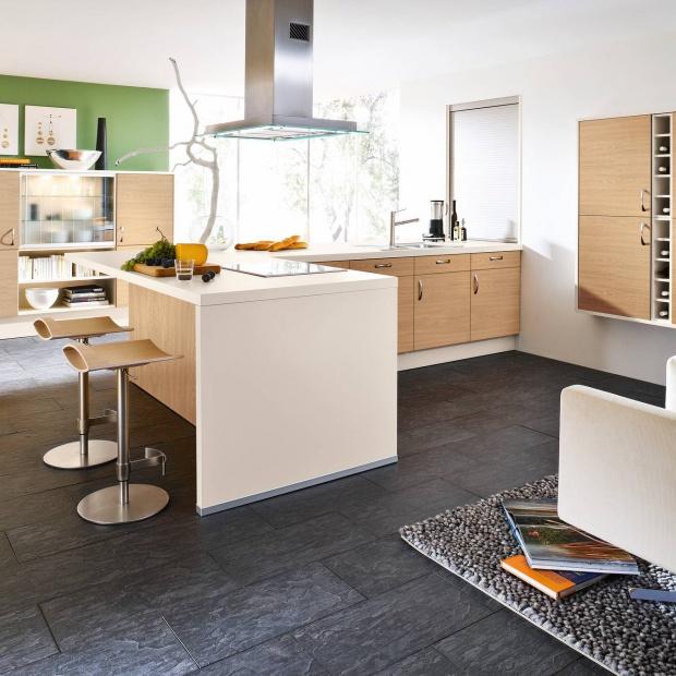 15 pomysłów na kuchnię w kolorze drewna